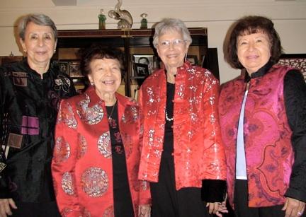 meet-the-kim-loo-sisters